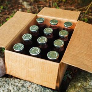 En kasse kirsebærsaft